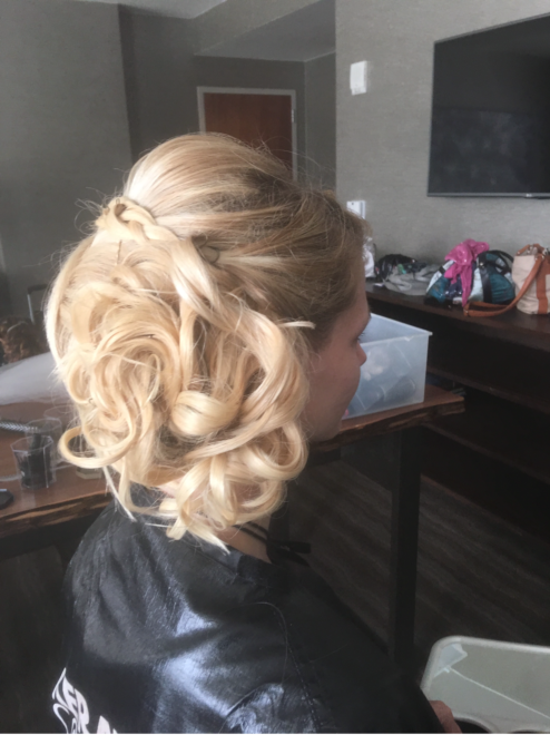 Bridal Party Blonde Soft Waves Right